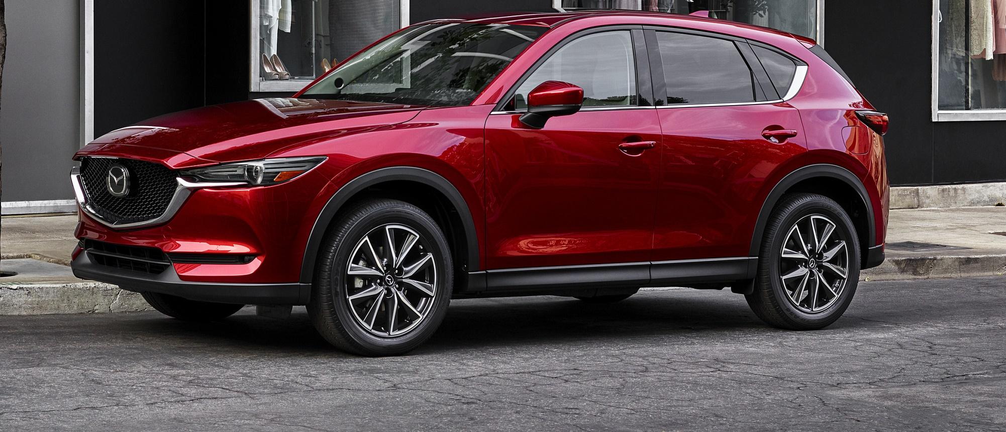 Nuovo Mazda CX-5: linee aggressive ed emozionanti
