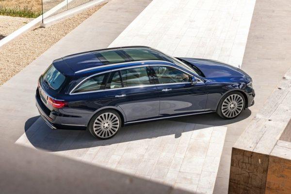 Mercedes-Benz-E-Class_Estate-2017-800-1c