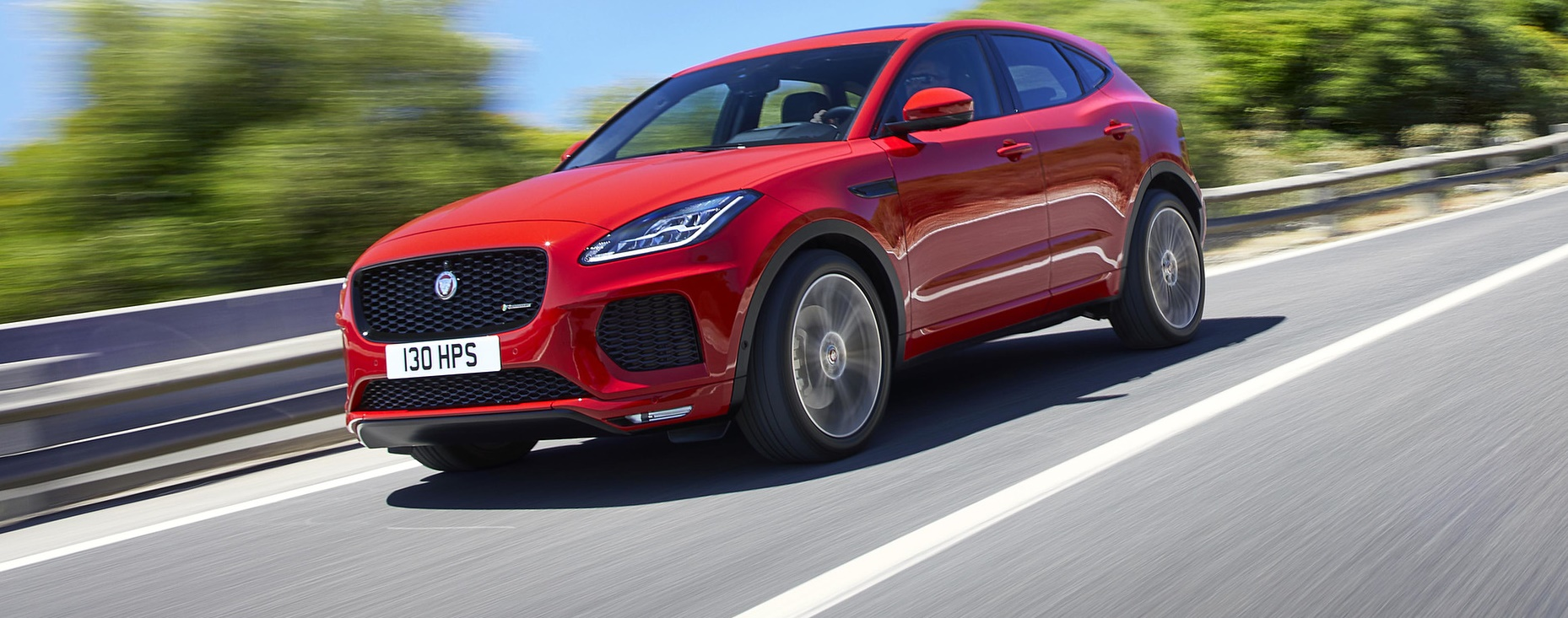 Nuova E‑PACE, il primo SUV compatto Jaguar