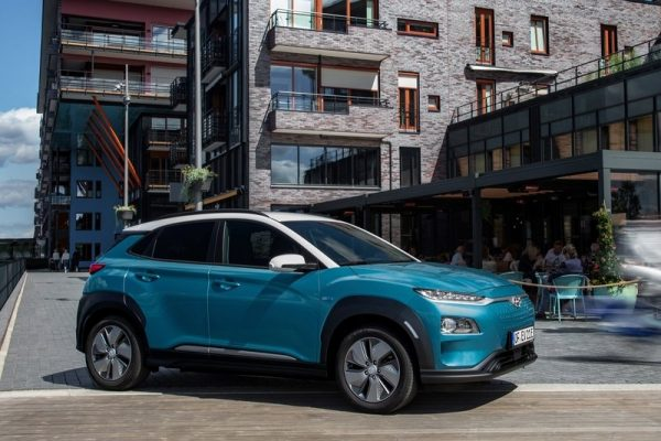 Hyundai-Kona_Electric-2018-800-06