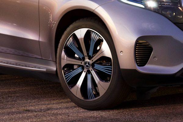 Noleggio auto lungo termine EQC Mercedes 3