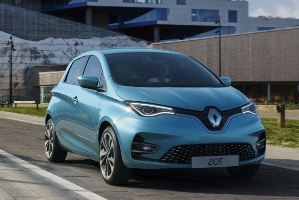 Noleggio auto lungo termine Renault Zoe