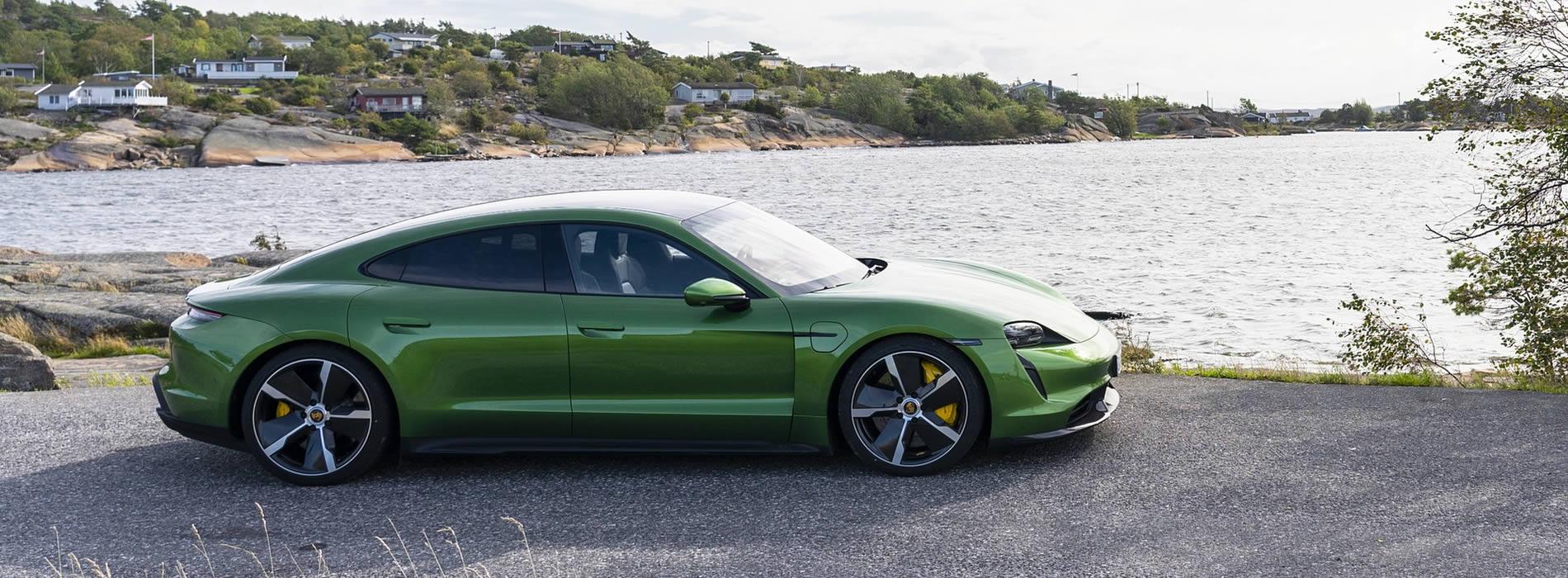 Noleggio lungo termine Porsche Taycan Turbo